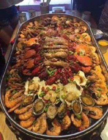 عنوان أشهر مطاعم الأسماك فى بورسعيد